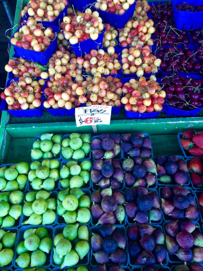 Picture of farmers market figs and cherries